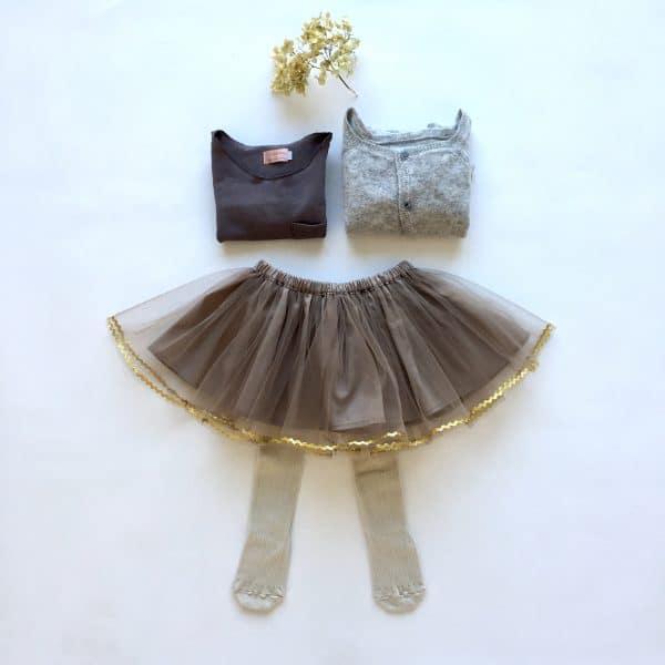 set longsleeve taupe, mocca skirt